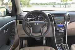 Hyundai i30 hečbeka foto attēls 10