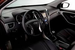 Hyundai i30 hečbeka foto attēls 6