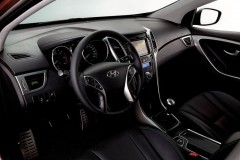 Hyundai i30 3 durvis hečbeka foto attēls 18