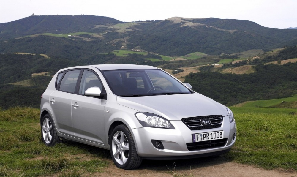 kia ceed hatchback 2007 2009 reviews technical data prices. Black Bedroom Furniture Sets. Home Design Ideas