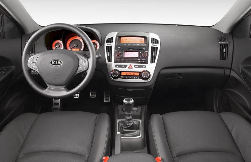 Kia Ceed Estate car / wagon 2007 - 2009 reviews, technical data, prices