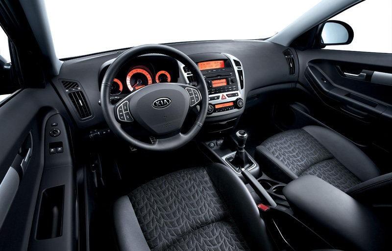 Kia Ceed 3 Door Hatchback 2010 2012 Reviews Technical Data Prices