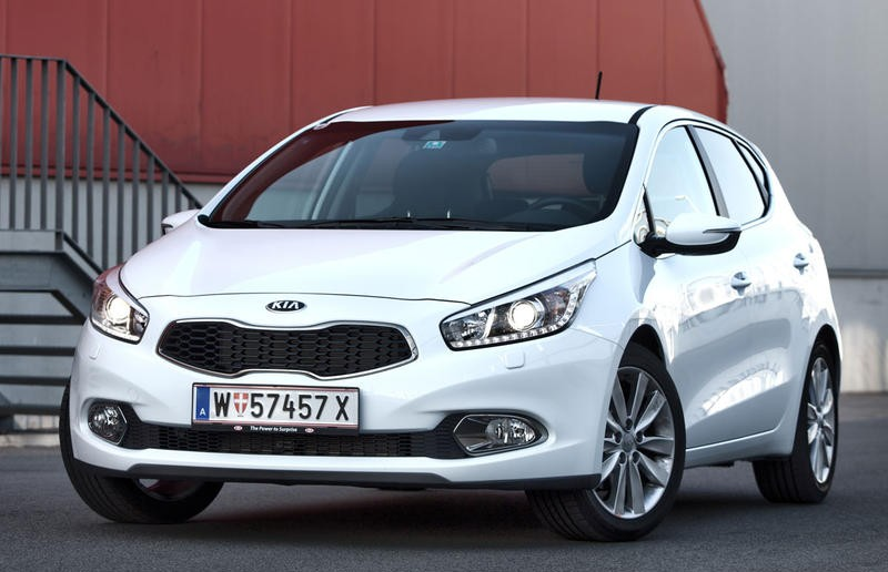 kia ceed hatchback 2012 reviews technical data prices. Black Bedroom Furniture Sets. Home Design Ideas