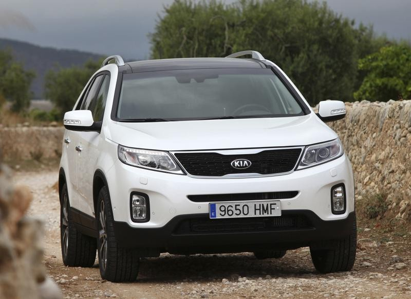kia sorento 2012 2014 reviews technical data prices. Black Bedroom Furniture Sets. Home Design Ideas