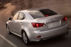 Lexus IS sedana foto attēls 1