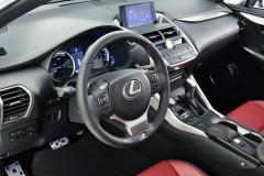 Lexus NX foto attēls 1