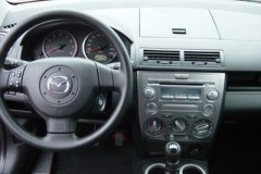 Mazda 2 hatchback photo image 5