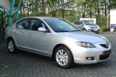 Mazda 3 sedana foto attēls 14