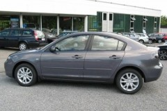 Mazda 3 sedana foto attēls 15