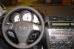 Mazda 3 sedana foto attēls 17