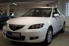 Mazda 3 sedana foto attēls 18