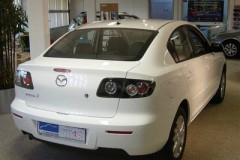 Mazda 3 sedana foto attēls 10
