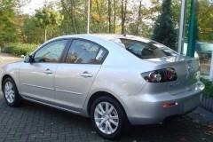 Mazda 3 sedana foto attēls 7