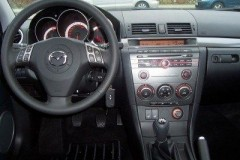 Mazda 3 sedana foto attēls 9