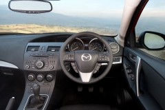 Mazda 3 hatchback photo image 1