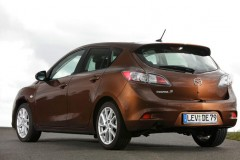 Mazda 3 hečbeka foto attēls 5