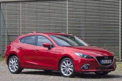 Mazda 3 hečbeka foto attēls 2