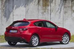 Mazda 3 hečbeka foto attēls 8