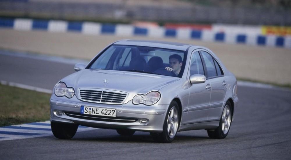 Mercedes C klase 2000 foto attēls