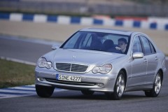 Mercedes C klases sedana foto attēls 2