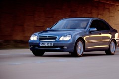 Mercedes C klases sedana foto attēls 3