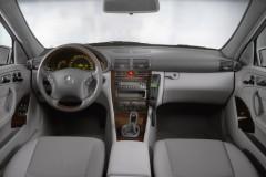 Mercedes C klases universāla foto attēls 2
