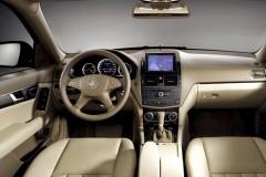 Mercedes C klases sedana foto attēls 9