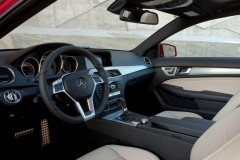 Mercedes C clase coupe foto 9