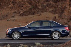 Mercedes C class sedan photo image 11
