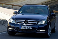 Mercedes C class sedan photo image 10