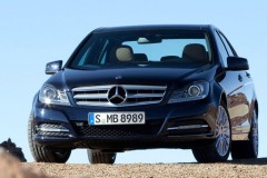 Mercedes C class sedan photo image 9