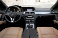 Mercedes C class sedan photo image 3