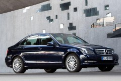 Mercedes C class sedan photo image 2