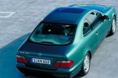 Mercedes CLK kupejas foto attēls 2