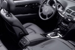 Mercedes E klases sedana foto attēls 7
