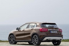 Mercedes GLA photo image 7
