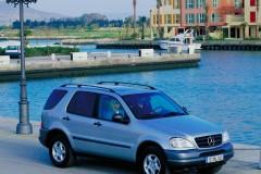Mercedes ML foto attēls 1