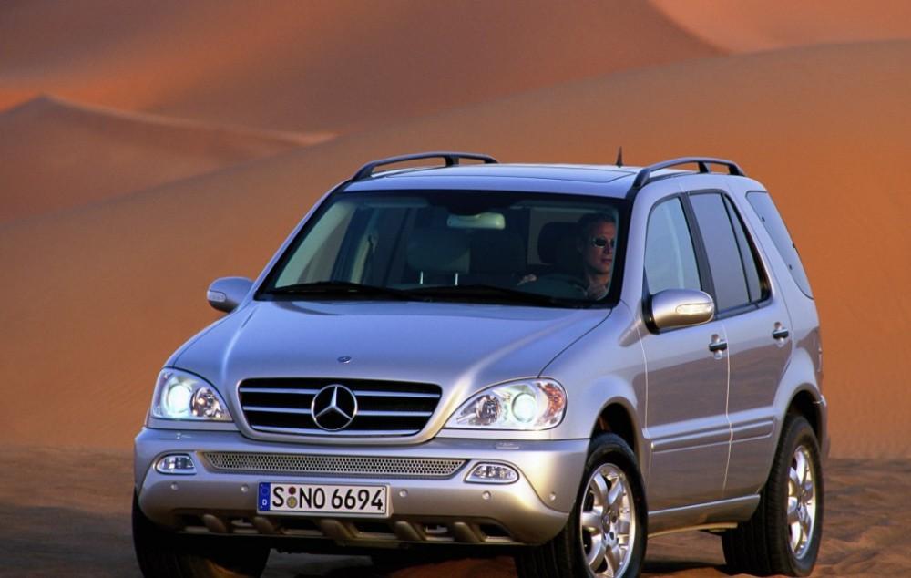 Mercedes ML 2001 foto attēls