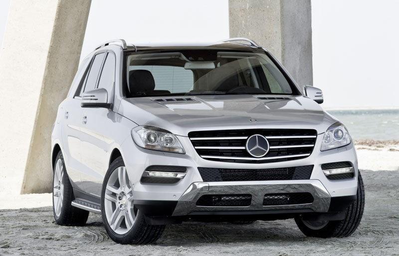 Mercedes ML 2011 foto attēls