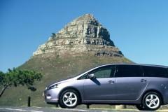 Mitsubishi Grandis minivan foto 3