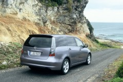 Mitsubishi Grandis minivan foto 7