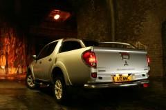 Mitsubishi L 200 photo image 21