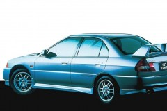 Mitsubishi Lancer Evolution sedan photo image 1