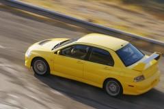 Mitsubishi Lancer Evolution sedan photo image 5