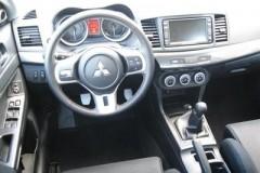 Mitsubishi Lancer Evolution sedan photo image 9