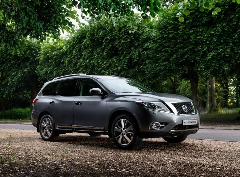nissan pathfinder 2012 reviews technical data prices. Black Bedroom Furniture Sets. Home Design Ideas