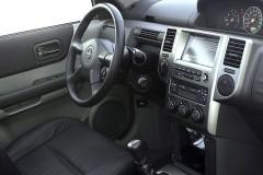 Nissan X-Trail instrumentu panelis, vadītāja vieta