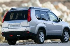 Nissan X-Trail aizmugure