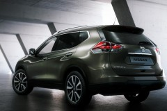 Nissan X-Trail photo image 1
