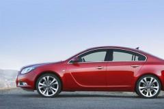 Opel Insignia sedan photo image 1